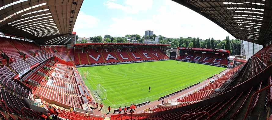 The Perfect Match – Spy Alarms Sponsor Charlton Vs Wolves in London
